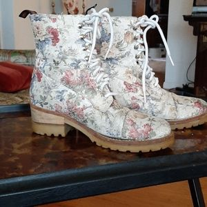 Floral tapestry ankle boots